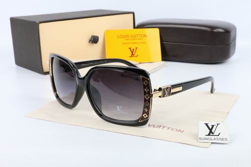 Louis Vuitton sunglasses-LV115625D