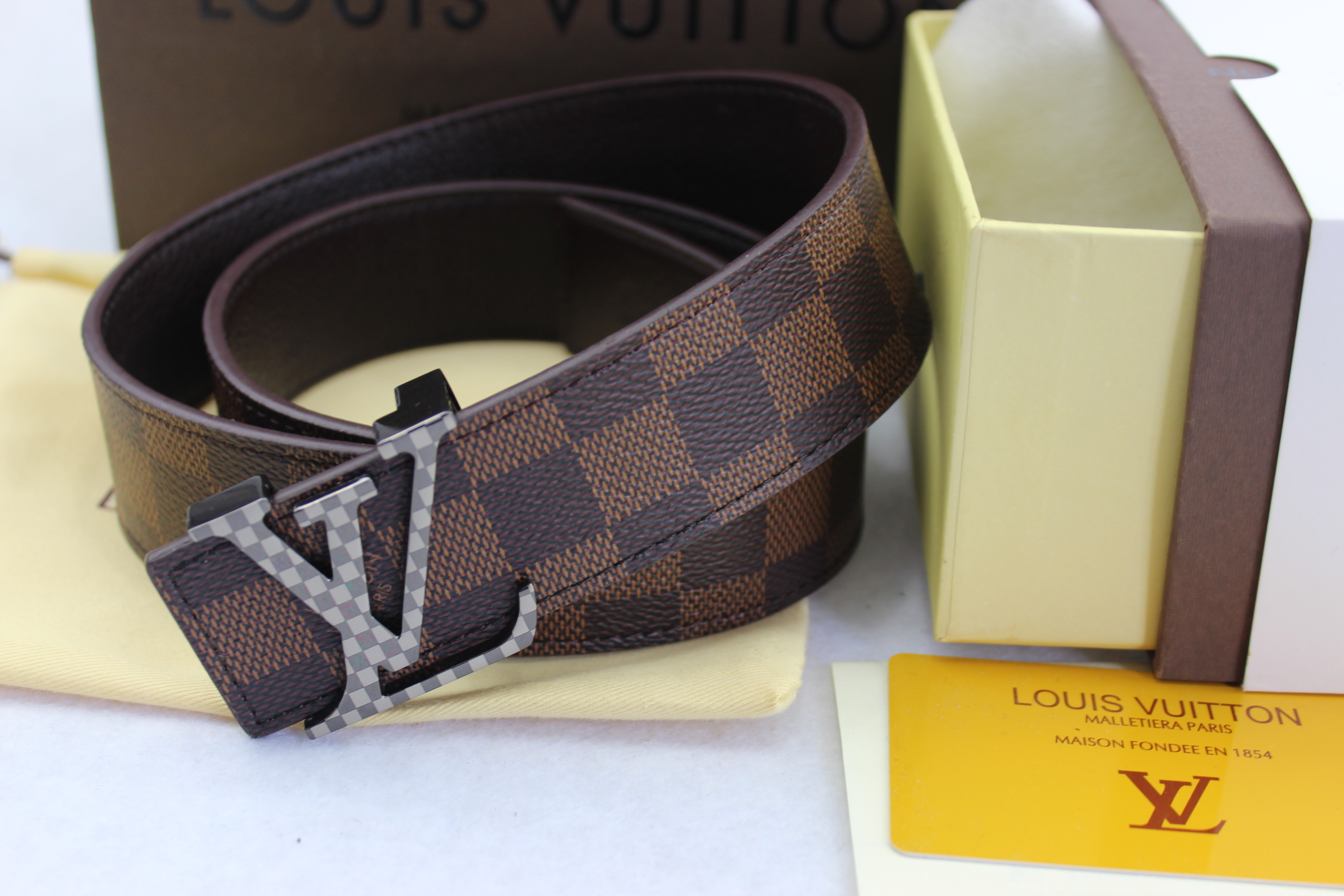 Louis Vuitton belts-LV40732E