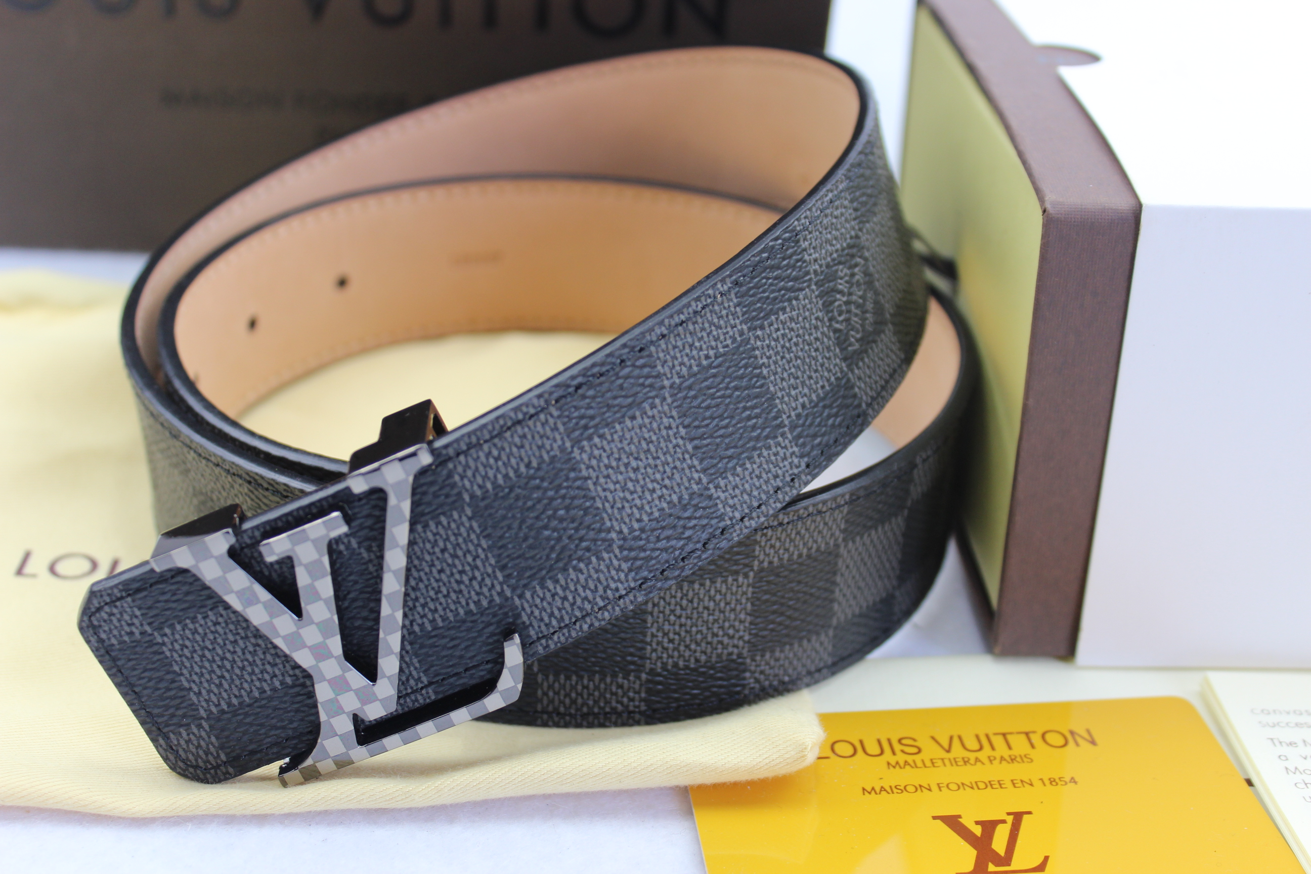 Louis Vuitton belts-LV40745E