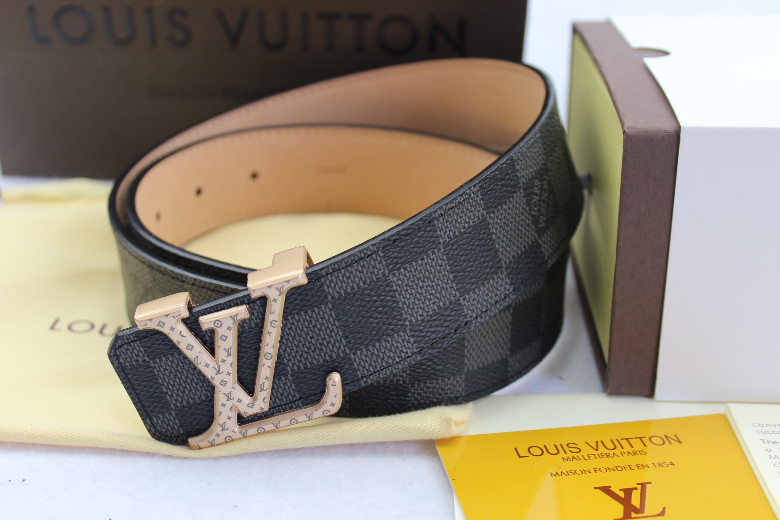 Louis Vuitton belts-LV40746E
